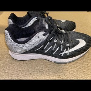 NIKE ZOOM ELITE 8 RUNNING SHOES- size W 8.5